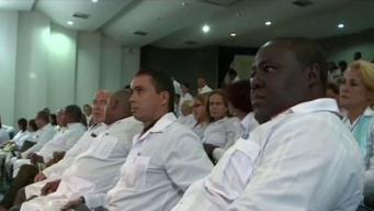Médicos cubanos se incorporarían a misión en Venezuela