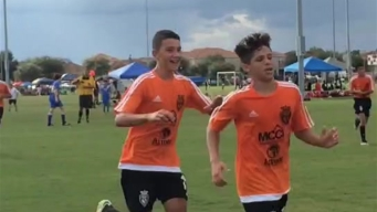 Puro Gol: Mete gol y lo celebra con la familia