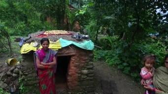 Una nepalí muere por práctica que expulsa del hogar a las mujeres con periodo