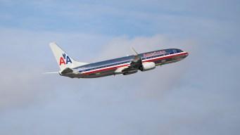 American Airlines dejará de aceptar efectivo en MIA
