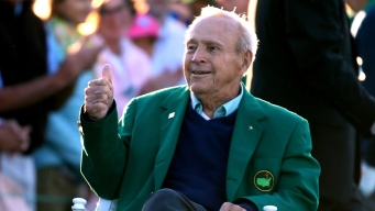 Muere Arnold Palmer, quien popularizó el golf