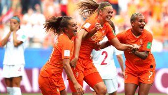 Holanda vence a Canadá y clasifica de líder de grupo