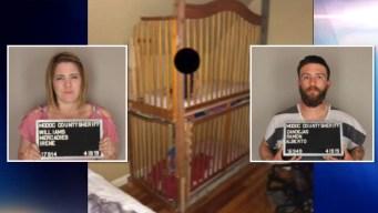 Macabro: hallan bebés enjaulados dentro de una casa