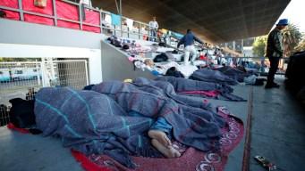 Ciudad de México recibe primeros migrantes de caravana