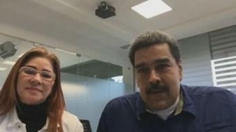 Le llueven insultos a Maduro en Facebook Live