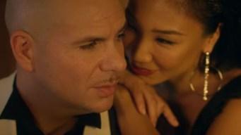 Pitbull estrena candente video con Fifth Harmony