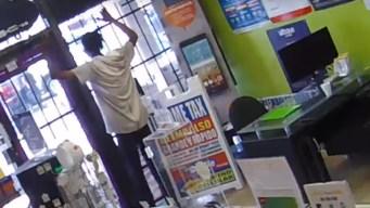 En video: entra a robar tienda y lo encierran en el sitio