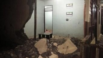 Terremoto de 7.3 en Indonesia: un muerto y caos general
