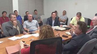 Continúa desacuerdo entre bomberos y alcalde de Hialeah