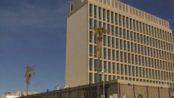 Cónsul de EEUU en La Habana responde preguntas de cubanos