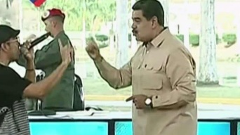 Maduro baila mientras represión deja muertos en Venezuela