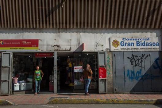 La huelga general en Venezuela se cumple a medias