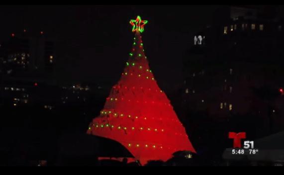 El único Árbol de Navidad hecho de arena en el mundo