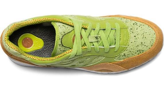 61bd66a5e ¿Usarías estos zapatos inspirados en pan tostado y guacamole?