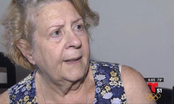 Violento asalto a anciana en la puerta de su casa