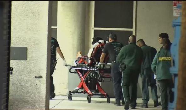 Reos y oficiales hospitalizados por emergencia médica