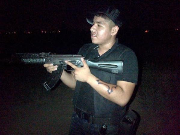 Las fuerzas armadas mexicanas y la delincuencia - galería fotos - Tlmd_sicariosnuevolaredo07