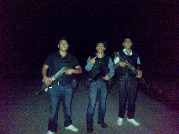 Las fuerzas armadas mexicanas y la delincuencia - galería fotos - Tlmd_sicariosnuevolaredo09