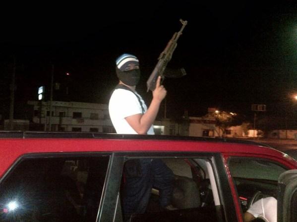 Las fuerzas armadas mexicanas y la delincuencia - galería fotos - Tlmd_sicariosnuevolaredo74