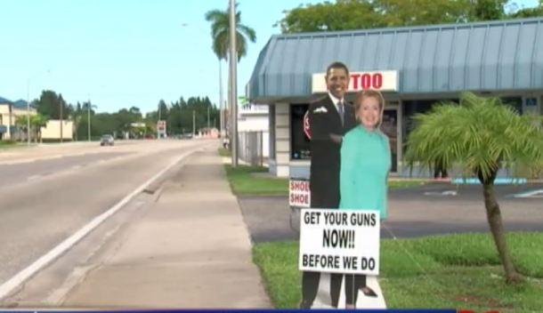 Anuncio de armas con figuras de Obama y Clinton