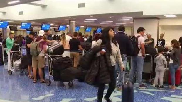 [TLMD - MIA] Aeropuerto de Miami espera ola de pasajeros para Acción de Gracias