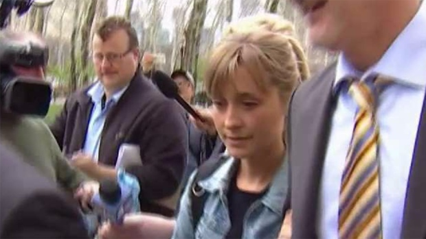 Famosa actriz se declara culpable en caso de secta sexual