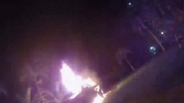 [TLMD - MIA] Auto en llamas en el suroeste de Miami Dade