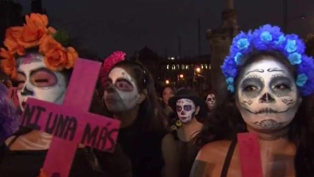 Catrinas reclaman cese a feminicidios