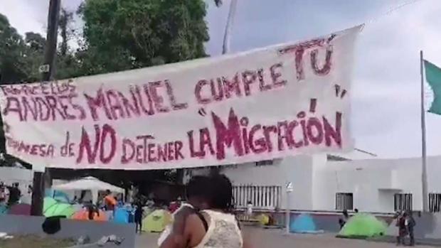 [TLMD - MIA] Desespero de cientos de cubanos varados en Tapachula