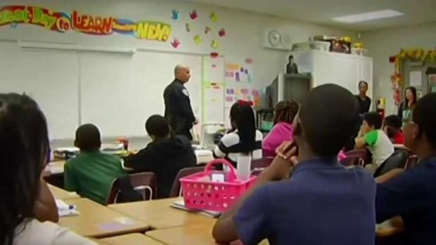 [TLMD - MIA] Escuelas de Broward tendrán más agentes armados en escuelas