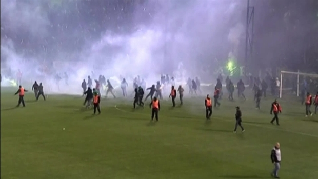 [TLMD - NATL] Revuelta obliga a cancelar partido de fútbol