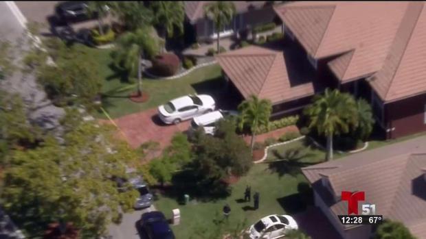 [TLMD - MIA] Hallan dos personas muertas en casa en Coral Springs