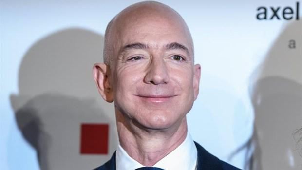 El más rico del mundo habría sido infiel con animadora