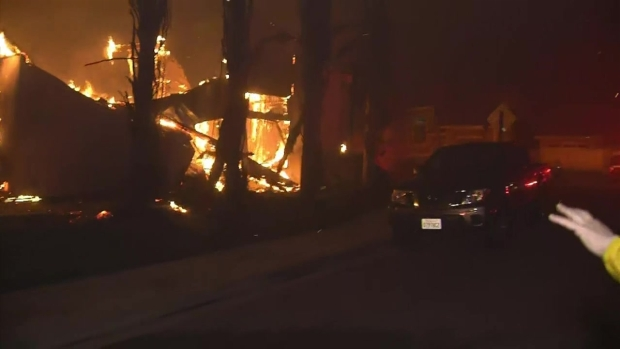 En fotos: potente incendio deja en llamas varias condados de California