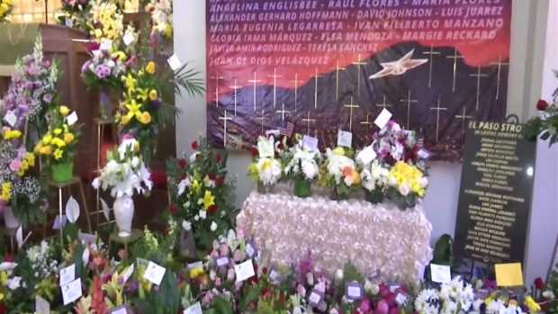 [TLMD - El Paso] Envían cientos de flores a funeral de mujer víctima del tiroteo en El Paso