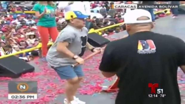 [TLMD - MIA] Maradona baila en cierre de campaña de Maduro