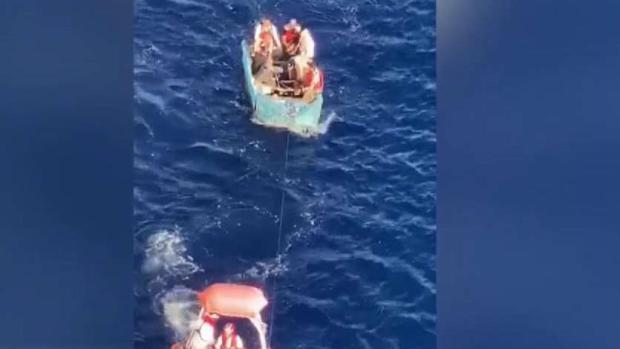 [TLMD - MIA] Video: Milagroso rescate de balseros cubanos en altamar