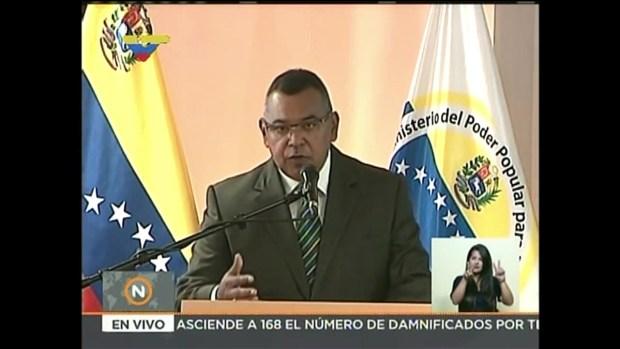 [TLMD - MIA] Ministro dice entrevista con CNN delató a Oscar Pérez
