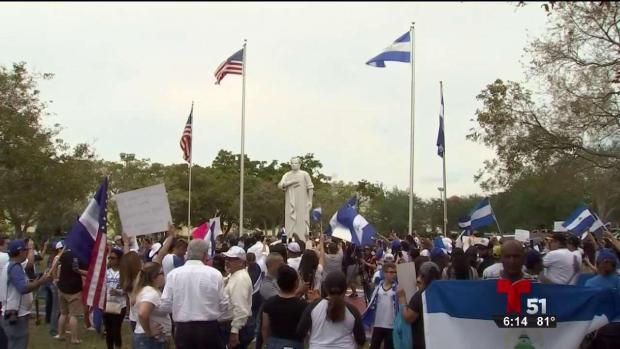 [TLMD - MIA] Nicaraguenses en Miami protestan por reformas de gobierno de Ortega