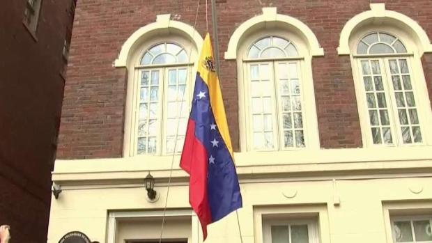 [TLMD - MIA] Opositores toman control de 3 sedes diplomaticas en EEUU