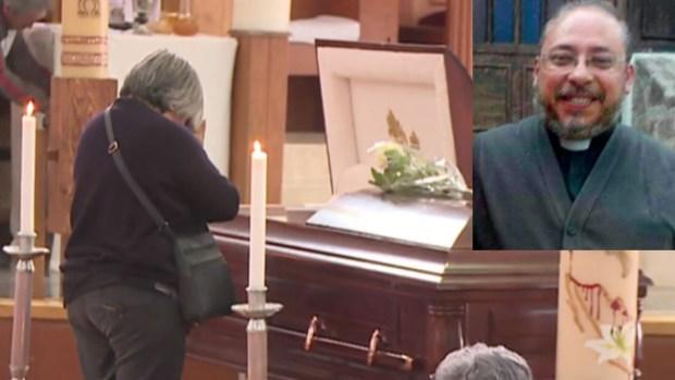 Matan a sacerdote a puñaladas en plena iglesia