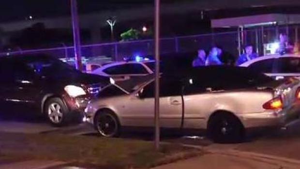 [TLMD - MIA] Persecución policial termino con choque y accidente