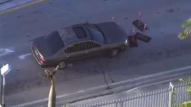 [TLMD - MIA] Robo a mano armada desata perímetro policial en Miami