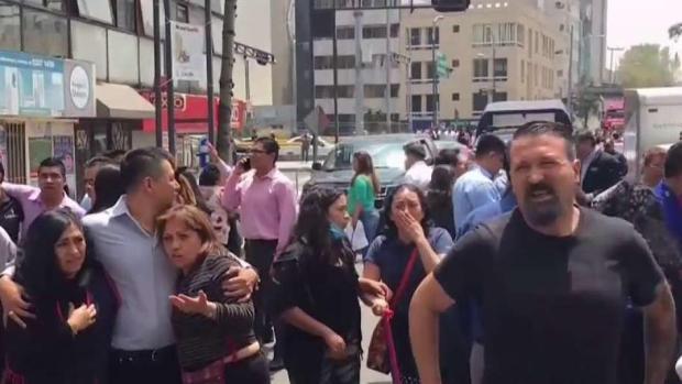 [TLMD - MIA] Se derrumba escuela y mata a niños en México