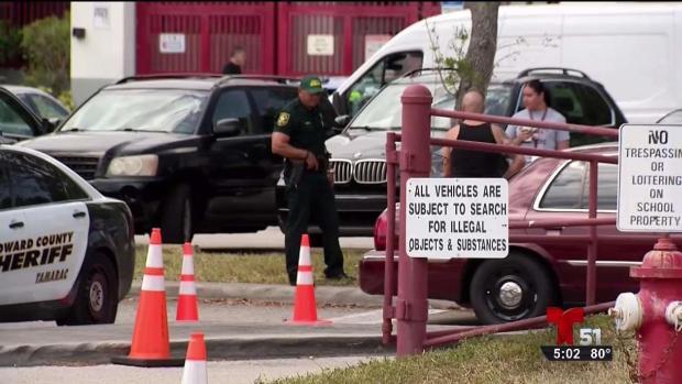 [TLMD - MIA] Seguridad en escuela de Parkland