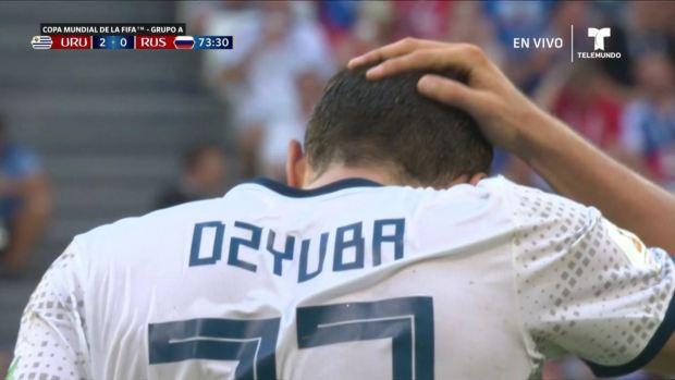[World Cup 2018 PUBLISHED] ¡Qué manera de fallar! Dzyuba se pierde el descuento ante Uruguay
