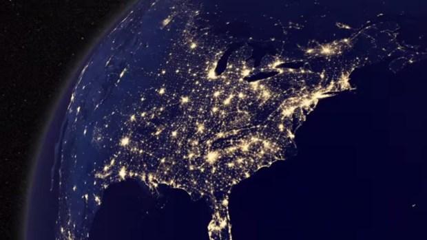 Así se ven las luces de Navidad desde el espacio