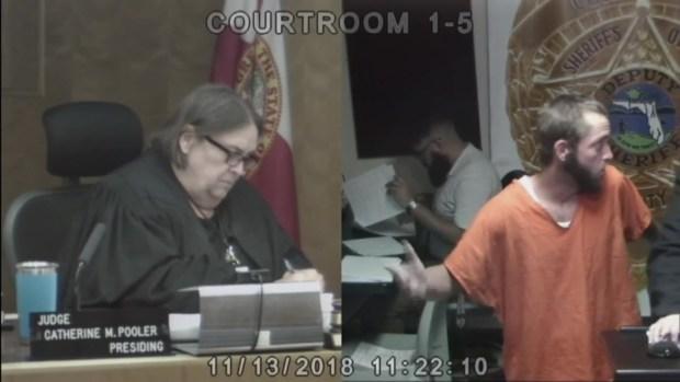 Steven Kiddy comparece en corte
