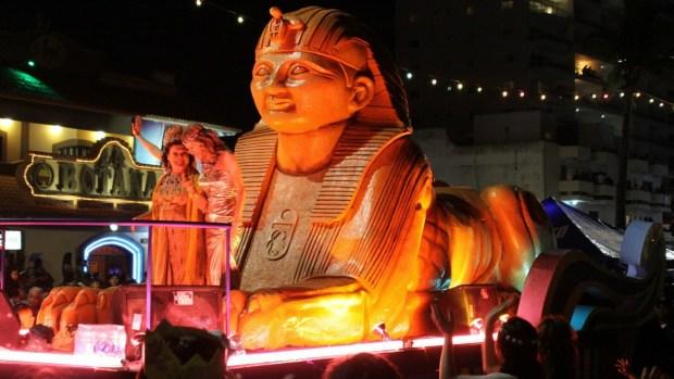 El alegre bullicio del carnaval llega a México