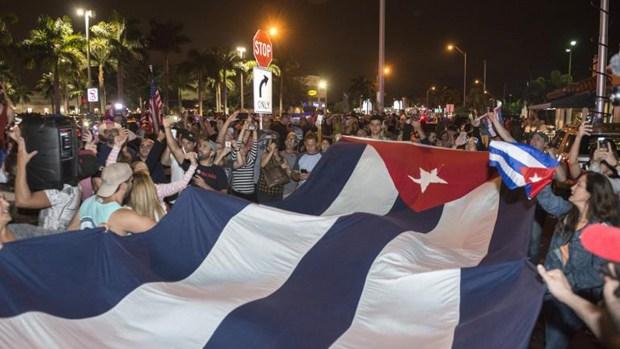 Celebran muerte de Fidel Castro en Miami